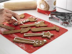 IKEA offers everything from living room furniture to mattresses and bedroom furniture so that you can design your life at home. Check out our furniture and home furnishings! Cookie Decorating, Gingerbread Cookies, Bakery, Ikea, Desserts, Gifts, Holidays, Tools, Gingerbread Cupcakes