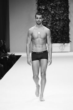 Gregory Stellatos on the runway wearing RICHARD DAYHOFF premium performance trunks. Teen Models, Black Models, Child Models, S Models, Female Models, Beauty Editorial, Editorial Fashion, Commercial Modeling, Cool Magazine