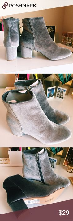 Grey Velvet Dorothy Perkins Ankle Boots These are Dorothy Perkins ankle boots with a soft gray/silver velvet exterior. They have zippers on the sides and rounded block heels. US Size 8, UK Size 5. Never been worn before, in perfect condition, no box, but has tag sticker still attached. Dorothy Perkins Shoes Ankle Boots & Booties