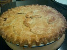 Steak and Mushroom Pie – Hairy Bikers Perfect Pies – 100 Cook Books Steak And Mushroom Pie, Steak And Mushrooms, Stuffed Mushrooms, Hairy Bikers Comfort Food, Beef Pies, Cottage Pie, English Food, Savoury Dishes, Food Processor Recipes