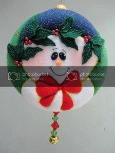 Que hermosos trabajos en patchwork Crochet Hats, Christmas Ornaments, Holiday Decor, Ideas Para, Gingham Quilt, Quilt Cover, Entry Ways, Christmas Crafts For Kids, Dachshund