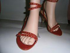 """VINTAGE DRESS-UP""                                                 HAINE DE FIRMA, HAINE DE DAMA: Sandale Zara"