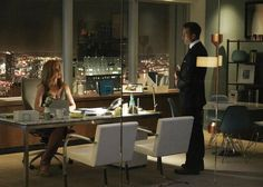 "Sarah Rafferty and Gabriel Macht star as Donna Paulsen and Harvey Specter in Suits season 7 episode ""Brooklyn Housing. Daddy Aesthetic, Aesthetic Women, Business Fashion, Business Women, Suits Season 7, Donna Suits, Donna Paulsen, Jessica Pearson, Brooklyn House"