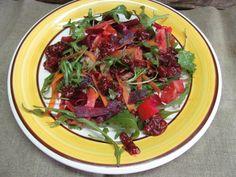 Овощной салат под малиновым соусом   Кулинарные рецепты с фото пошагово