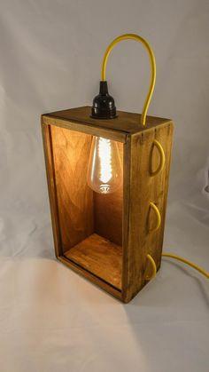 Handmade Wood Furniture, Diy Pallet Furniture, Rustic Lamps, Wood Lamps, I Like Lamp, Luminaire Original, Bois Diy, Steampunk Lamp, Pipe Lamp