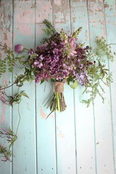 Lilac, snapdragon and cow parsley bouquet