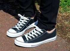 Fashionfifth- Black low cut Converse Chuck Taylors