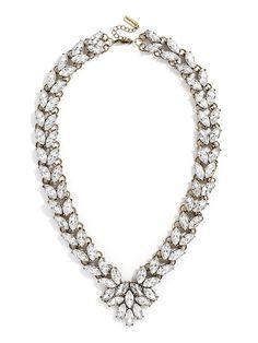 Garland Brooch Collar