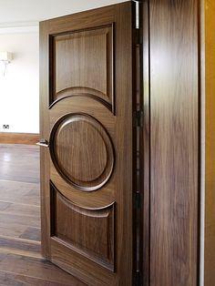 Rotal single door set in walnut Home Door Design, Pooja Room Door Design, Door Gate Design, Door Design Interior, Wooden Front Door Design, Wooden Front Doors, Single Main Door Designs, Modern Wooden Doors, Beautiful