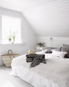 Bedroom cosy white attic rooms Ideas for 2019 White Bedroom, Master Bedroom, Bedroom Decor, Bedroom Ideas, Swedish Bedroom, White Bedding, Bedroom Bed, Bed Room, Seaside Bedroom
