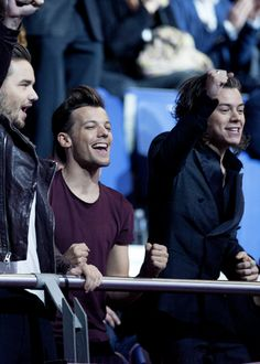 The boys in Los 40 principales awards