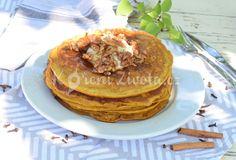 Podzimní dýňové lívance se skořicovým tvarohem, ořechy a javorovým sirupem Cupcakes, Sweet Recipes, Food And Drink, Treats, Cooking, Breakfast, Desserts, Autumn, Fitness