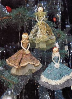 Oh my! Clothes pin dolls. Beautiful