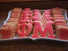Special Sugar Cookies. OMG!!!! so pretty! Delta Phi Epsilon, Phi Sigma Sigma, Kappa Kappa Gamma, Delta Zeta, Alpha Phi, Phi Mu Crafts, Sorority Life, Fraternity, Bear Cookies