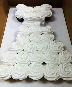 Wonder if I could make a Christmas Tree like this for bridal shower or might leave like a wedding gown.