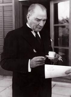 : Mustafa Kemal Ataturk First President of Turkey Wallpaper Marvel, Galaxy Wallpaper, Disney Wallpaper, Cellphone Wallpaper, Gustav Adolf, Ankara, Turkey History, Cheryl Blossom Riverdale, Turkish Army