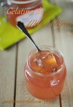 Gelèe des Coings-Gelatina di Mele Cotogne   http://www.mentaecioccolato.com/2012/10/come-fare-la-gelatina-di-mele-cotogne-e.html