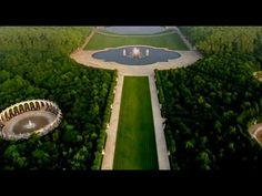 LE CHÂTEAU DE VERSAILLES OFFICIEL: great video that moves fast. No words, no speaking, just great video.