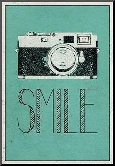Smile Retro Camera Posters på AllPosters.dk