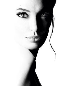 High key photography | black and white photo | Angelina Jolie | High contrast image | Shadow sculpting photo