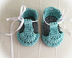 Hey, I found this really awesome Etsy listing at https://www.etsy.com/listing/289648701/crochet-patterncrochet-baby-booties