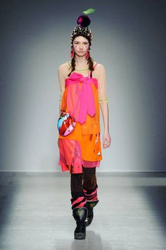 Manish Arora Fall 2014 Ready-to-Wear Collection - Vogue Manish Arora, Vogue, Fall Winter 2014, Fall 14, Autumn, Fashion Beauty, Womens Fashion, Fashion Show, Fashion Design