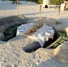 Beach DIY dinner table...would love to do this!!!