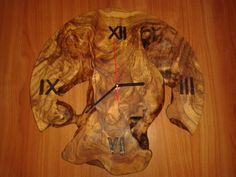 Orologio in legno di ulivo
