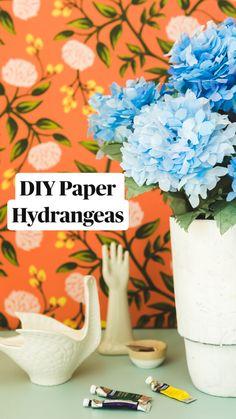 Paper Flowers Craft, Crepe Paper Flowers, Easy Paper Crafts, Diy Arts And Crafts, Cute Crafts, Flower Crafts, Diy Flowers, Diy Crafts, Diy Paper Roses
