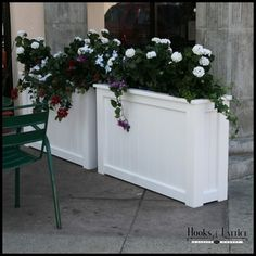 If space is an issue the answer is to use garden boxes. In this article we will show you how all about making raised garden boxes the easy way. Railing Planters, Wood Planters, Large Outdoor Planters, Commercial Planters, Contemporary Planters, Vertical Garden Wall, Pallets Garden, Garden Boxes, Garden Ideas
