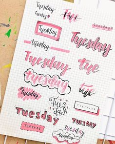 Looking for the best bullet journal fonts, headers and letterings for each day? Here are endless creative bujo ideas that you can use from Monday to Sunday! Bullet Journal School, Bullet Journal Inspo, Bullet Journal Lettering Ideas, Bullet Journal Banner, Journal Fonts, Bullet Journal 2019, Bullet Journal Notebook, Bullet Journal Aesthetic, Bullet Journal Ideas Pages