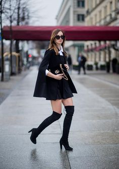 Vogue Haus (Barbora) in Stuart Weitzman Highland Preppy Outfits, Curvy Outfits, Casual Fall Outfits, Cool Outfits, Stuart Weitzman, Gay Outfit, Vogue, Back To Black, Ufo