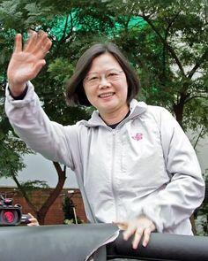 台湾の最大野党・民進党の蔡英文主席=11月3日、台北(EPA=時事) ▼30Nov2014時事通信|惨敗の国民党、総統レースも不透明=統一地方選で「本命」苦戦-台湾 http://www.jiji.com/jc/zc?k=201411/2014113000539