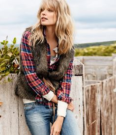 Plaid + faux fur vest = casual fall perfection.