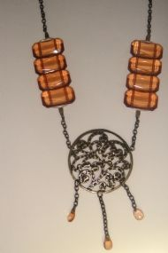 http://www.aishaacessoriosfemininos.com.br/produto/80739/colar-elegance