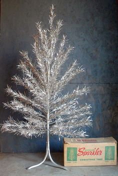 Vintage 1950s 4ft Aluminum Christmas Tree. Excellent condition. Original box.    Perfect for smaller space.