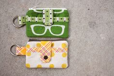 noodlehead: Zippy Wallet Tutorial- small with outside pocket and zipper Diy Wallet Tutorial, Zipper Pouch Tutorial, Wallet Sewing Pattern, Sewing Patterns, Sewing Tutorials, Sewing Projects, Tutorial Sewing, Sew Wallet, Sewing Accessories