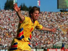 Romania 3 Colombia 1 in 1994 in Pasadena. A 2nd goal from Florin Raducioiu makes it 3-1 in Group A #WorldCupFinals