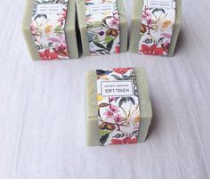 Khaki soaps with amazing scent of lemon. Exotic and tropical pattern : packaging.