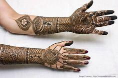 25 Mehandi designs for hands to inspire brides  #Ezwed #Mehendi #MehendiDesign #BridalDesign #Wedding