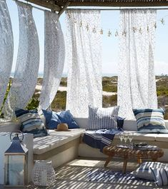 ESTILO IBIZA Hanging fabric that you could take down if needed could be a really breezy idea The post ESTILO IBIZA appeared first on Lynne Seawell& World. Outdoor Seating, Outdoor Rooms, Outdoor Living, Outdoor Furniture Sets, Outdoor Decor, Coastal Furniture, Country House Interior, Patio Interior, Coastal Interior