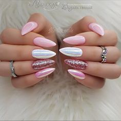 The trend of almond shape nails has been increasing in recent years. Many women who love nails like almond nail art designs. Almond shape nails are suitable for all colors and patterns. Almond nails can be designed to be very luxurious and fashionabl Natural Gel Nails, Pink Nail Designs, Nails Design, Nagellack Design, Nagel Gel, Super Nails, Cute Acrylic Nails, Gorgeous Nails, Trendy Nails