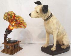 RCA Victor dog Nipper and phonograph lamp