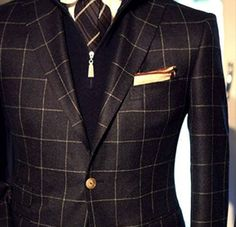Every girls crazy about a sharp dressed man! Gentleman Mode, Gentleman Style, Sharp Dressed Man, Well Dressed Men, Mode Masculine, Mens Fashion Suits, Mens Suits, Men's Fashion, Fashion Black
