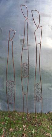 3 personnages en acier à piquer dans le sol,ils sont revêtus de vernis extérieur, vous pouvez les installer au jardin.  personnage numéro 1 : 1,50 mètre de hauteur personna - 5278593