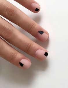 Nail art is a very popular trend these days and every woman you meet seems to have beautiful nails. It used to be that women would just go get a manicure or pedicure to get their nails trimmed and shaped with just a few coats of plain nail polish. Black Nail Art, Black Nails, Oval Nail Art, Red Nail, Pink Nail, Trendy Nails, Cute Nails, Hair And Nails, My Nails