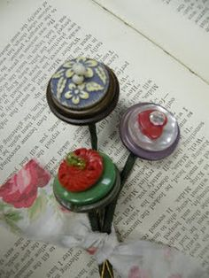 vintage button bobby pins