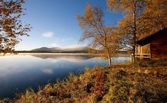 Lakeside Sauna & colorful Autumn in Ylläs Lapland. Pic: Heli Kaulanen