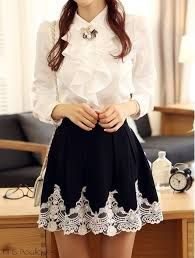 imagem 21 Little Girl Skirts, Comic Clothes, Smart Casual Wear, Cute Comfy Outfits, Vintage Mode, Dress To Impress, Lace Skirt, Fashion Dresses, Mini Skirts