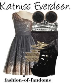 I like the uniqueness of the dress yet it's not in your face notice me. Disney Bound Outfits, Disney Inspired Outfits, Themed Outfits, Disney Dresses, Disney Clothes, Disney Style, Prom Dresses, Hunger Games Outfits, Fandom Outfits